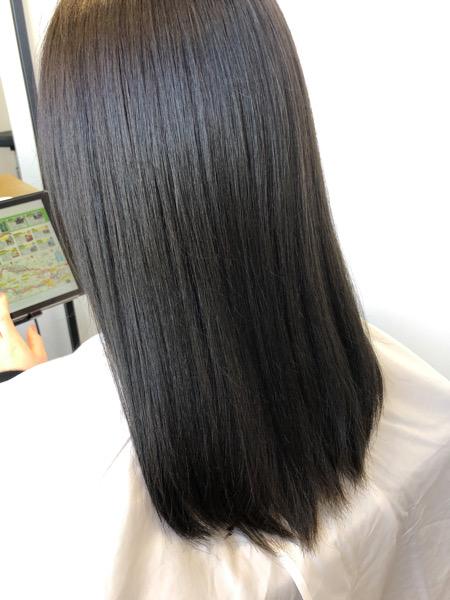 大分県別府市 ネイビーっぽいグレージュ【ネビージュ】の艶髪カラー アフター