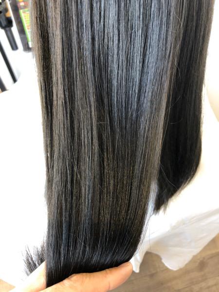 大分県別府市 ネイビーっぽいグレージュ【ネビージュ】の艶髪カラー