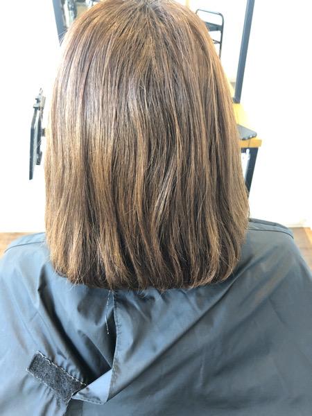 大分県別府市 透明感のある艶髪ベージュのヘアカラー ビフォー