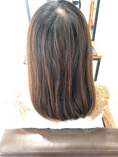 大分県別府市 カーキグレージュの艶髪ヘアカラー ビフォー