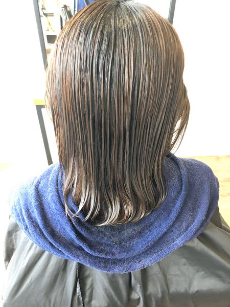 大分県別府市 髪の毛がオレンジっぽくなるのが嫌な方にオススメのヘアカラー アッシュグレーの艶髪ヘアカラー ビフォー