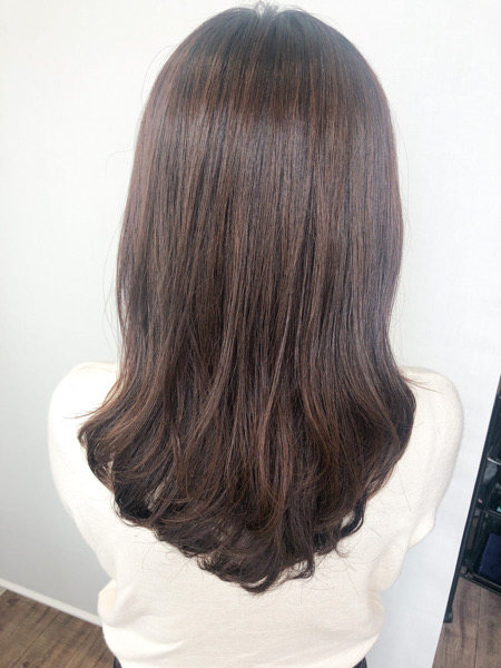 大分県別府市 くせ毛でボリュームの出やすい髪の毛をストカールでゆるーいパーマ風スタイル アフター