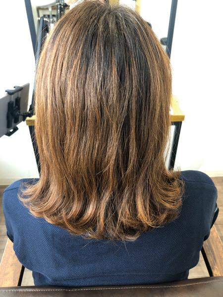 大分県別府市 透け感のある透明感ベージュの艶髪カラー ビフォー