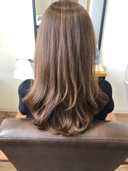 大分県別府市 透明感のあるアッシュグレージュの艶髪カラー【イルミナカラー】 ビフォー