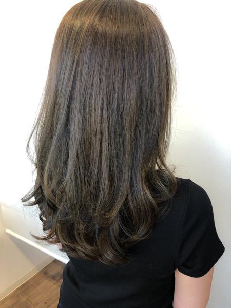 大分県別府市 透明感のあるアッシュグレージュの艶髪カラー【イルミナカラー】 アフター