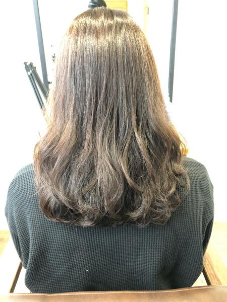 大分県別府市 オッジィオットトリートメントを使ったラベンダーアッシュの艶髪カラー【ブリーチなし】 ビフォー