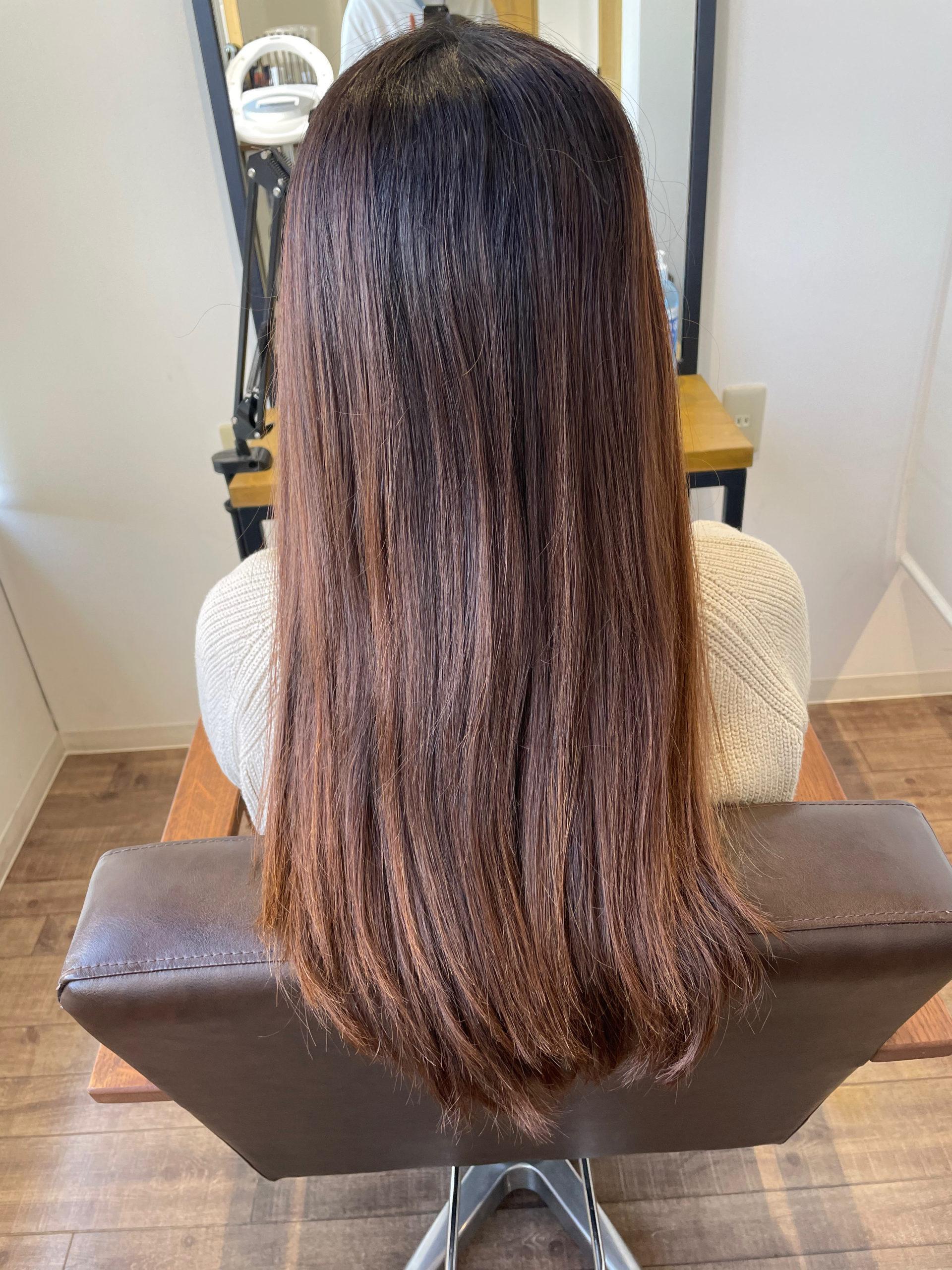 大分県別府市 トリートメントとケアカラーの組み合わせで極上のツヤ髪 ローズレッドのヘアカラー ビフォー