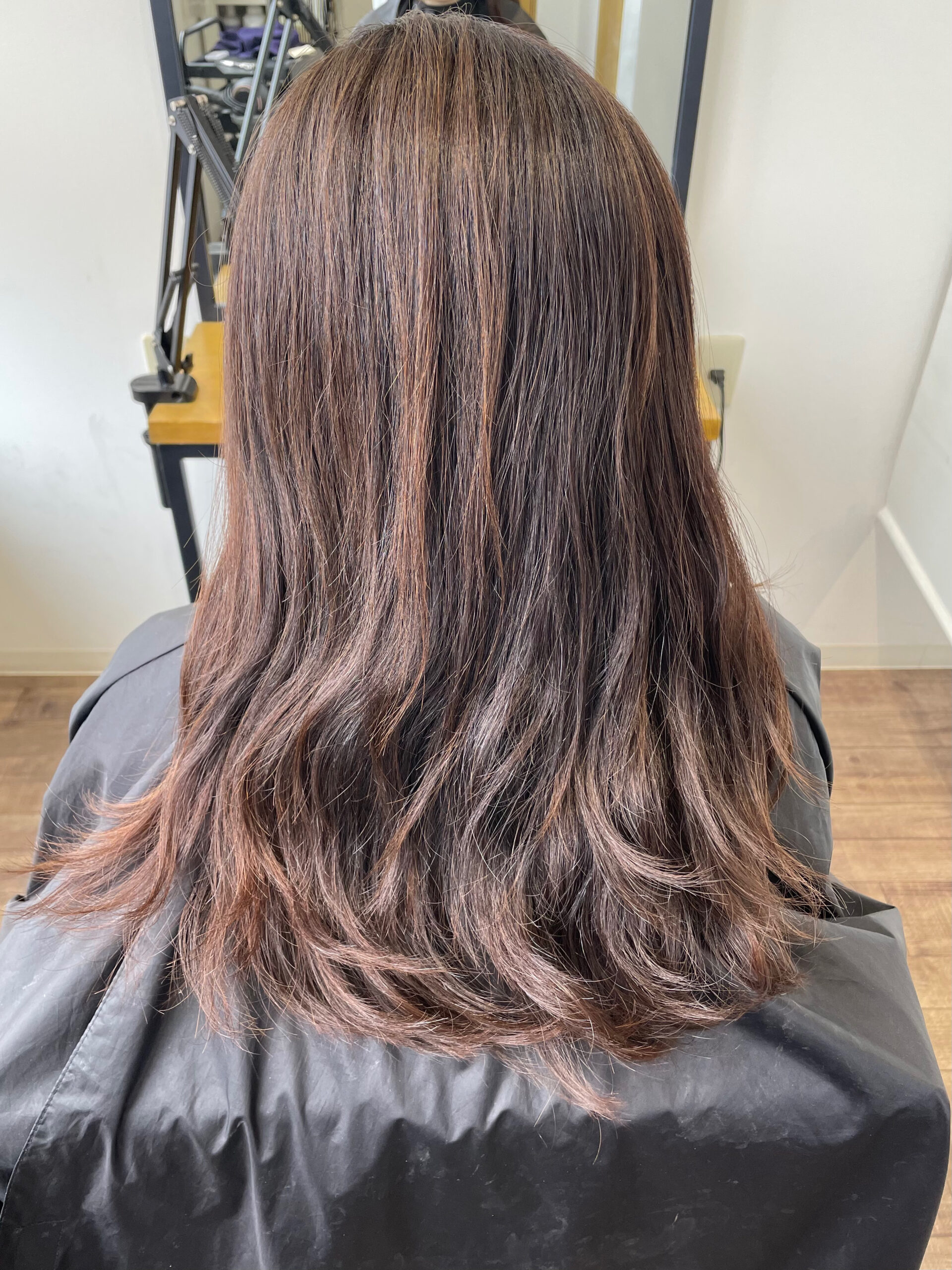 大分県別府市 髪質改善トリートメント カーキグレージュの艶髪カラー ビフォー