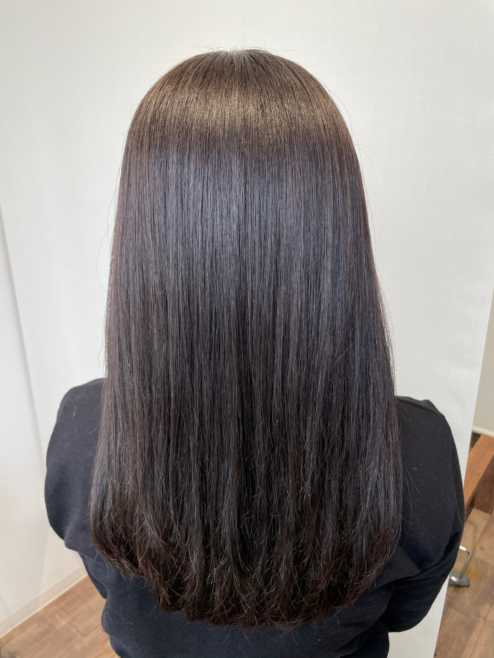 大分県別府市 髪質改善トリートメント カーキグレージュの艶髪カラー アフター