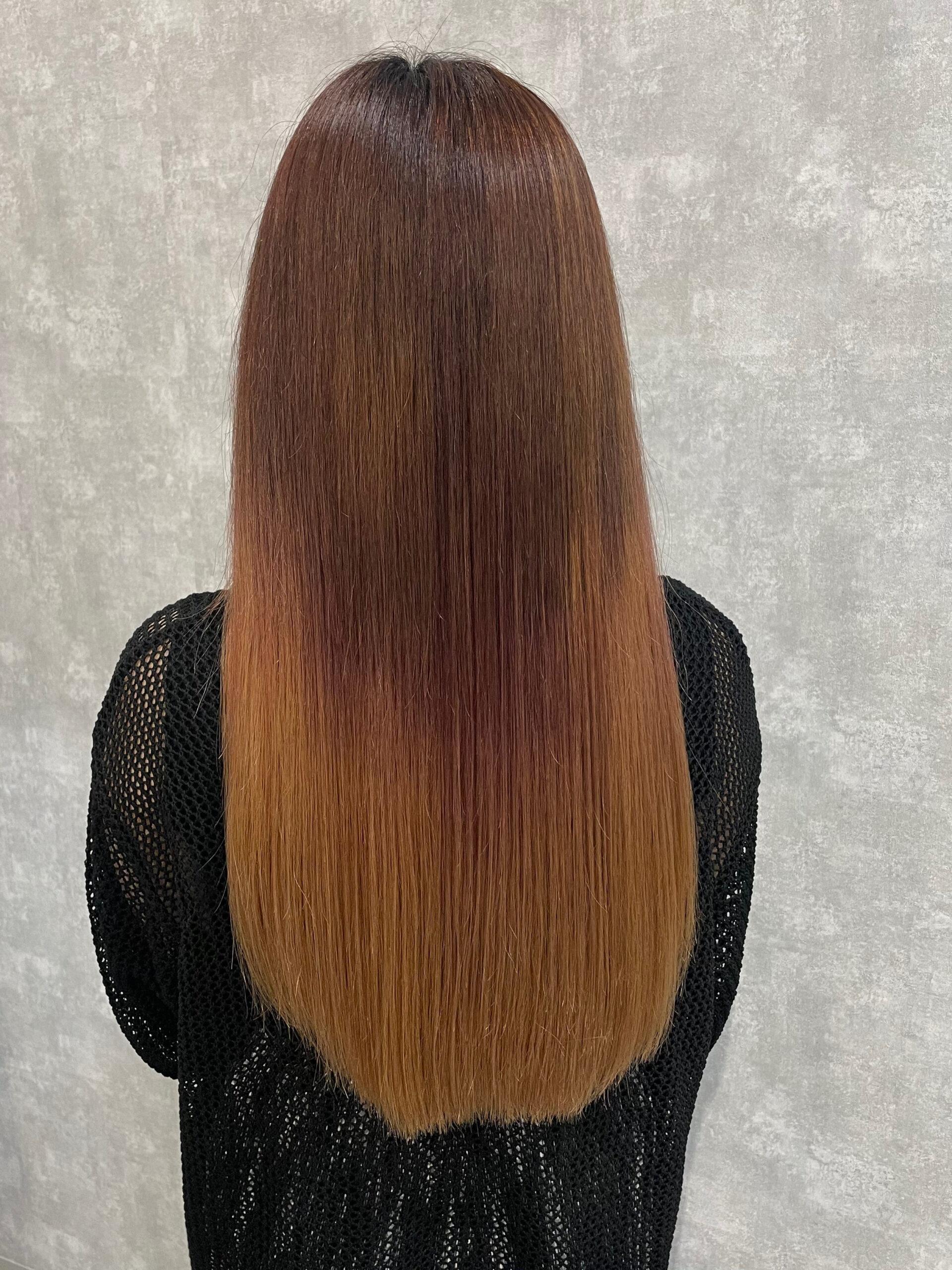 大分県別府市 ブリーチしているハイダメージ毛に髪質改善の縮毛矯正 ビフォー