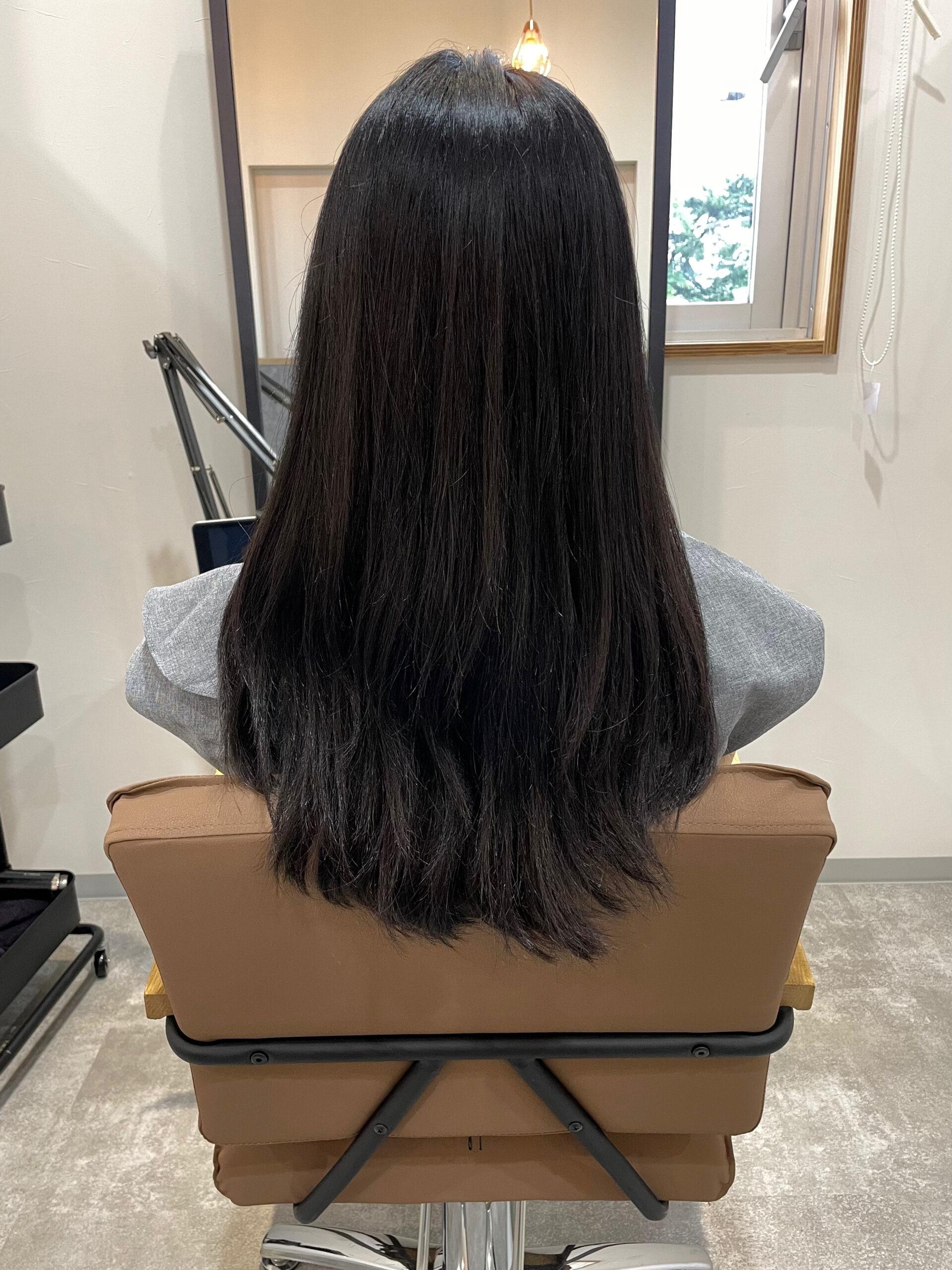 大分県別府市 強いくせ毛も髪質改善の縮毛矯正で柔らかいストレートスタイル ビフォー