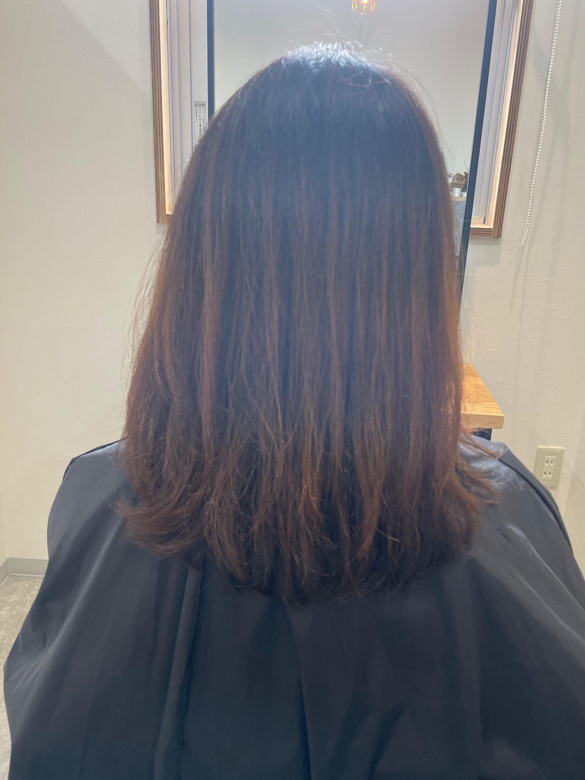 大分県別府市 オレンジっぽくなる髪色を解消『アッシュグレージュのヘアカラー』 ビフォー