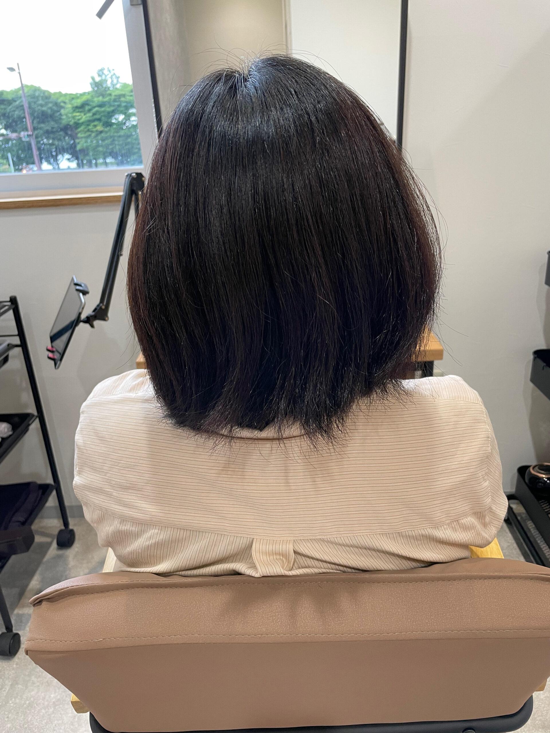 大分県別府市 髪の毛が多い、癖が強い、ボリュームが出るといった悩みがあっても弱酸性ストレートならショートヘアも可能です! ビフォー
