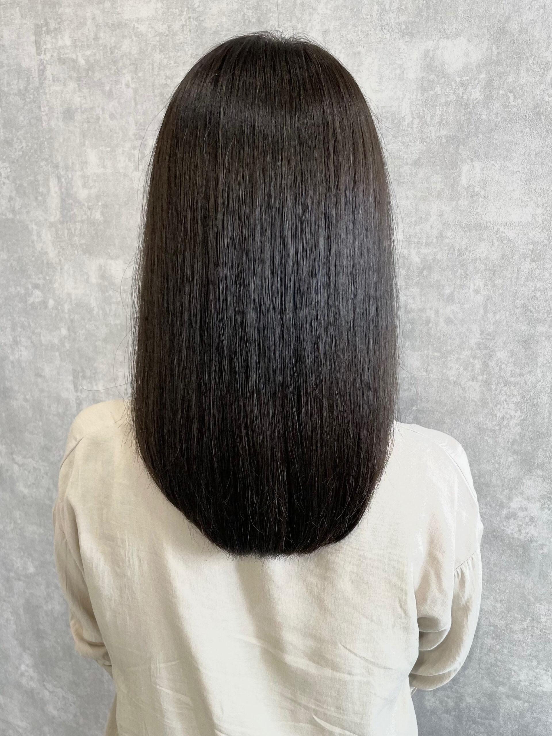 透明感のあるアッシュグレージュのヘアカラー『髪質改善トリートメント』 アフター