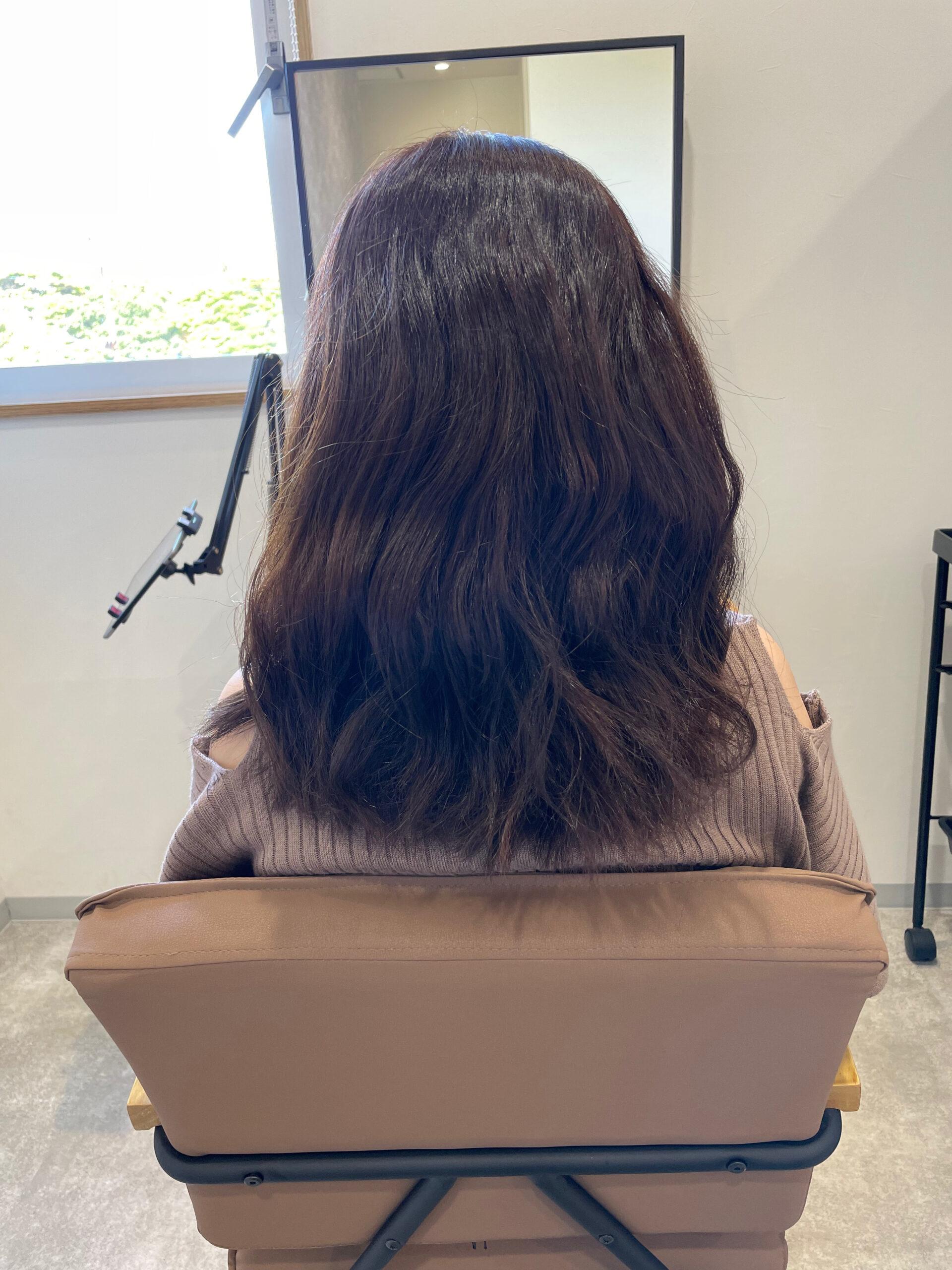 大分県別府市 髪質改善の縮毛矯正でピカピカ、サラサラのストレートヘア ビフォー